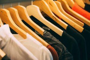 Az egyedi céges pólók előnyei